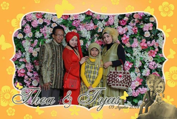 the wedding of Tyas & Thea by HELLOCAM PHOTOCORNER - 002