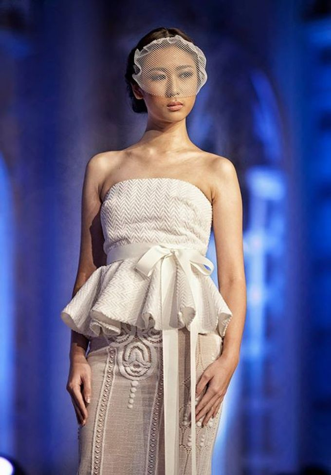 Catalyst from FLESH TO DUST Bridal Spring Summer 2015 - Runway Photo by Bramanta Wijaya Sposa - 009