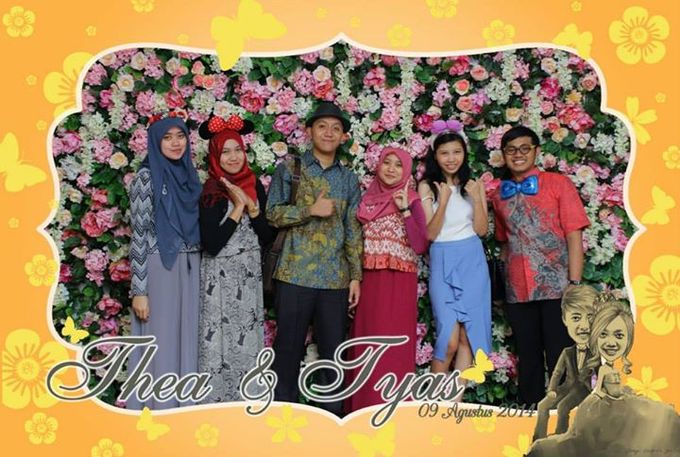 the wedding of Tyas & Thea by HELLOCAM PHOTOCORNER - 004