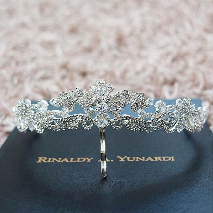 CROWN by Rinaldy A Yunardi available for RENT by LAMIIK BRIDAL - 002