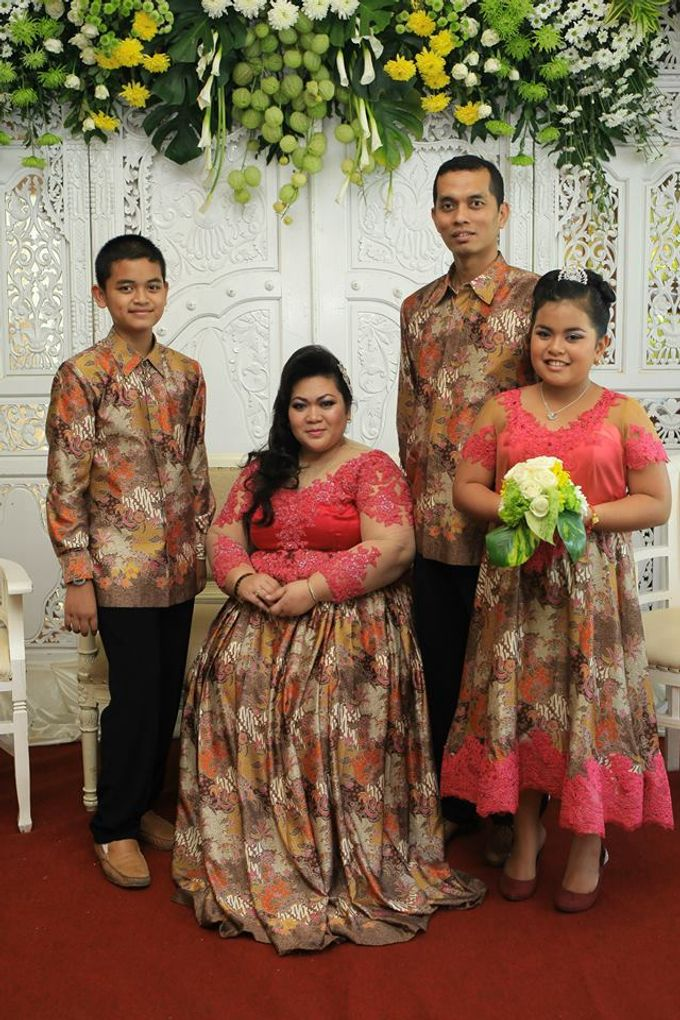 Our Exclusive Plus Size Kebaya and Formal Dress by Curvilínea by Pia Haryono - 001