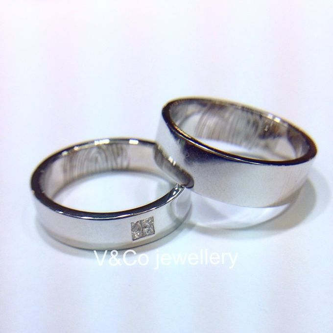 wedding ring engrave & finger print d'sign by V&Co Jewellery - 022