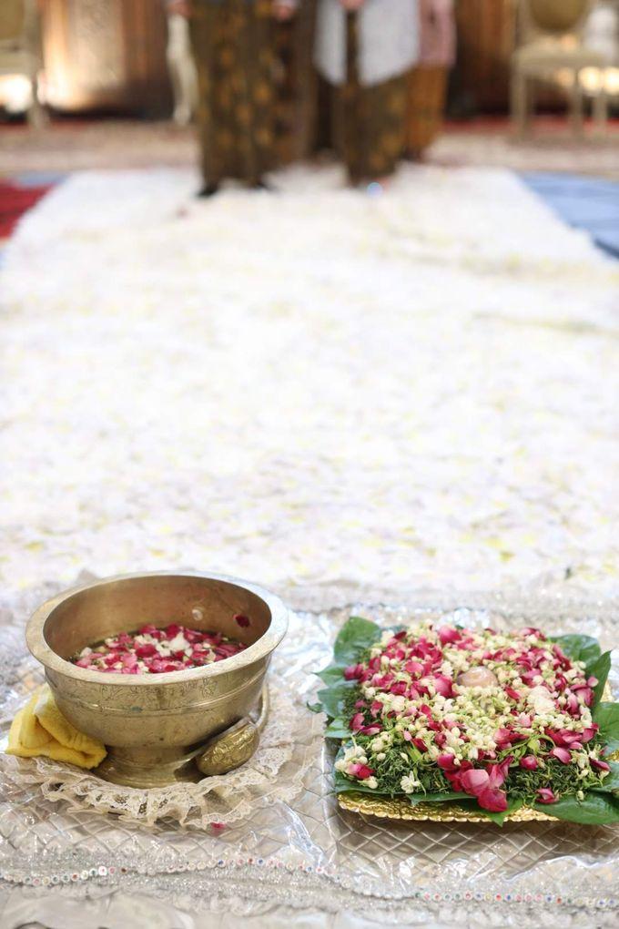 Puri & Lita by One Heart Wedding - 008