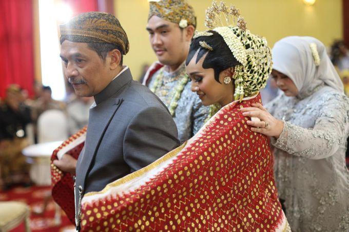 Puri & Lita by One Heart Wedding - 002