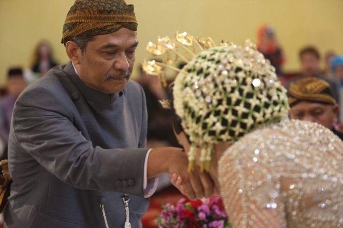 Puri & Lita by One Heart Wedding - 012