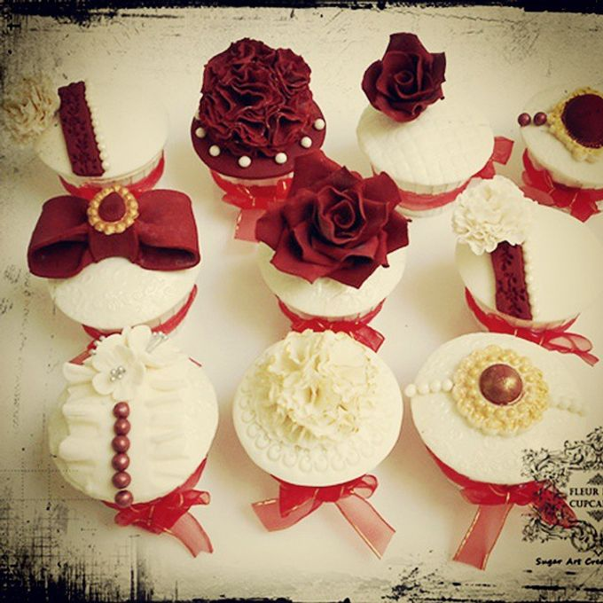Engagements & Wedding Cakes by Fleur Bites Cupcakery - 017