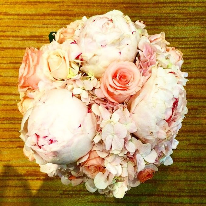Bouquets  by Weddings by TV - 013