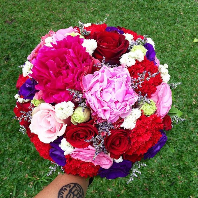 Bouquets  by Weddings by TV - 014