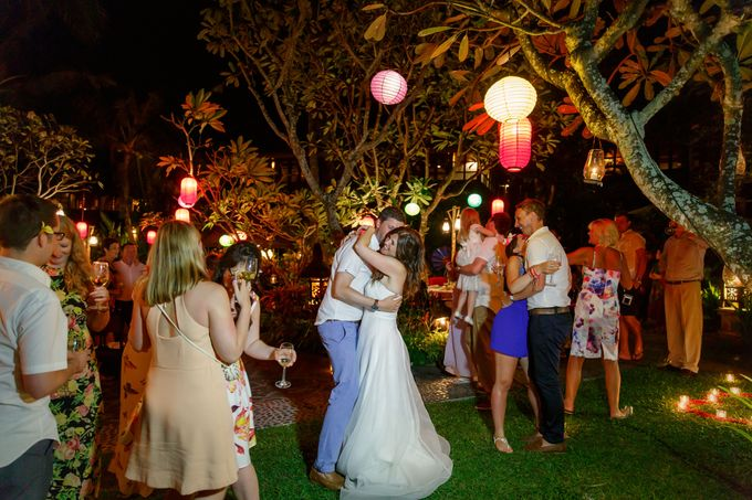 Dreamy Beach and Garden Wedding by D'studio Photography Bali - 014