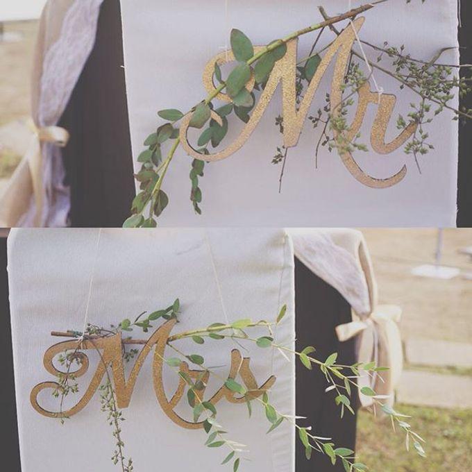 Rustic Wedding by La Bloom Florist - 017