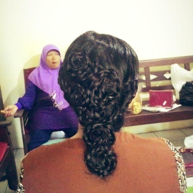 Trisa Cintani Makeup & Hair Studio by Trisa Cintani Makeup & Hair Studio - 009