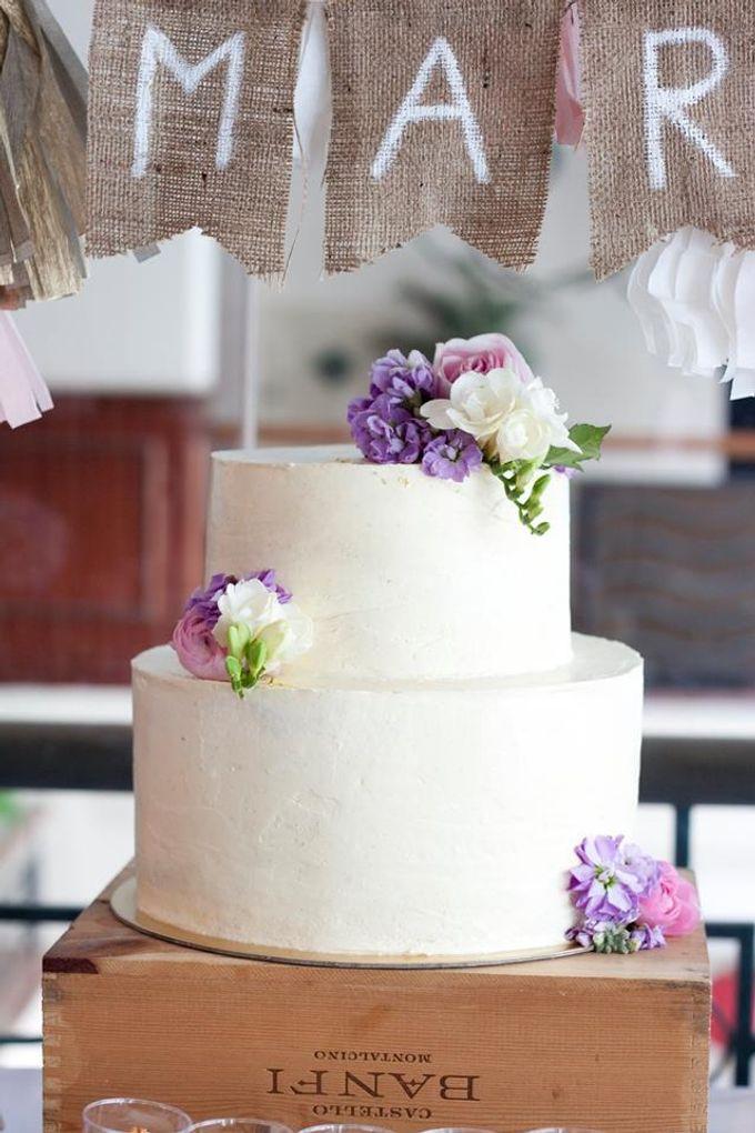 Floral Wedding Cake by Teaspoon of Love - 002