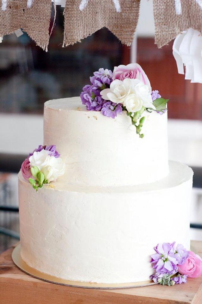 Floral Wedding Cake by Teaspoon of Love - 004