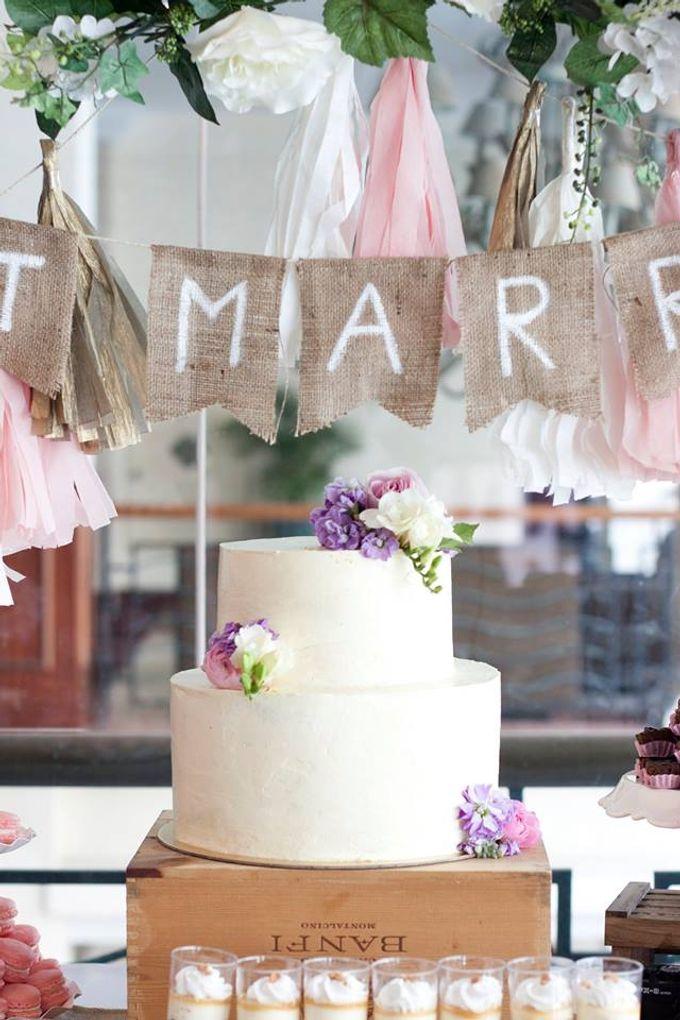 Floral Wedding Cake by Teaspoon of Love - 005
