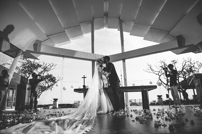 The Wedding W + J by Studio 8 Bali Photography - 024
