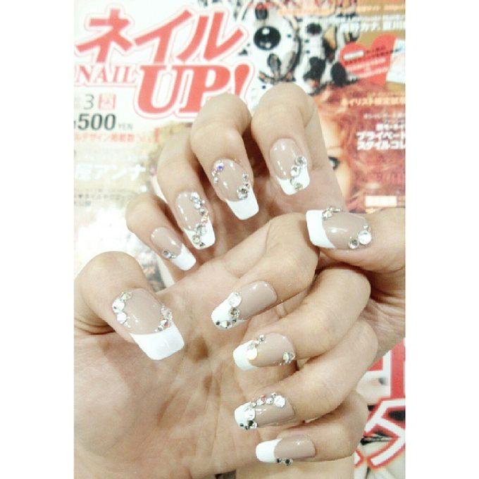 custom wedding nails by Veeana Nails - 004