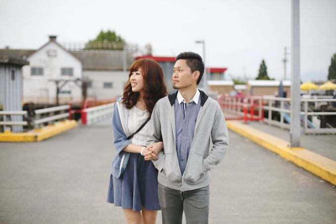Engagement shoot at Steveston Richmond by Rebecca Ou Photography - 010