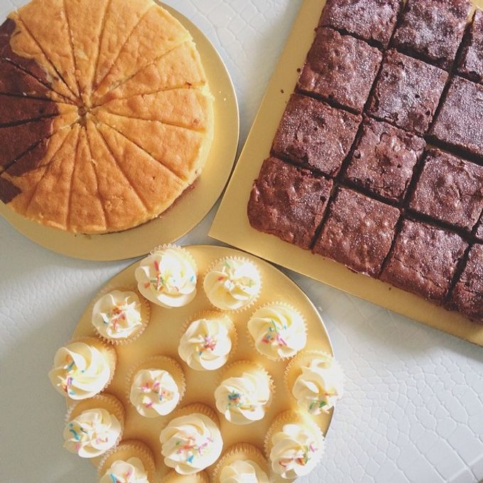dessert table treats by The Rosette Co - 005