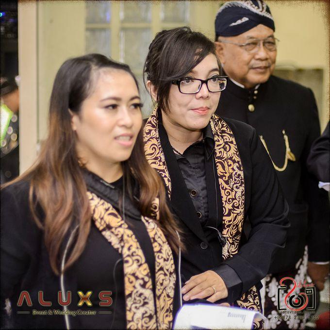 The Wedding of Santa & Khresna by Alux's Event & Wedding Creator - 042