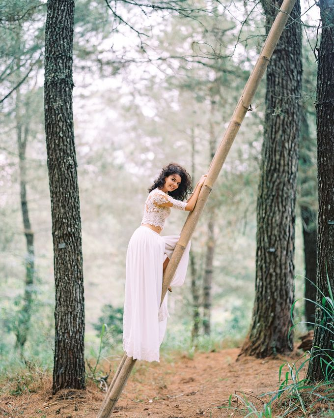 Bohemian Rustic Bride by Arta Photo - 010