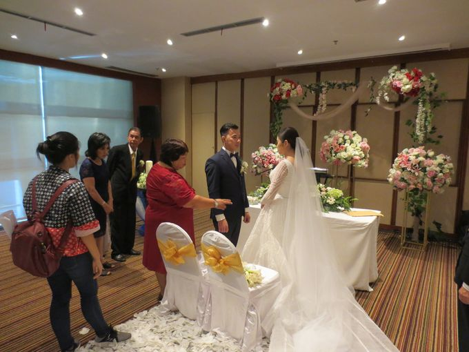 Adi & Emelia Wedding by deVOWed Wedding & Event Planner - 010