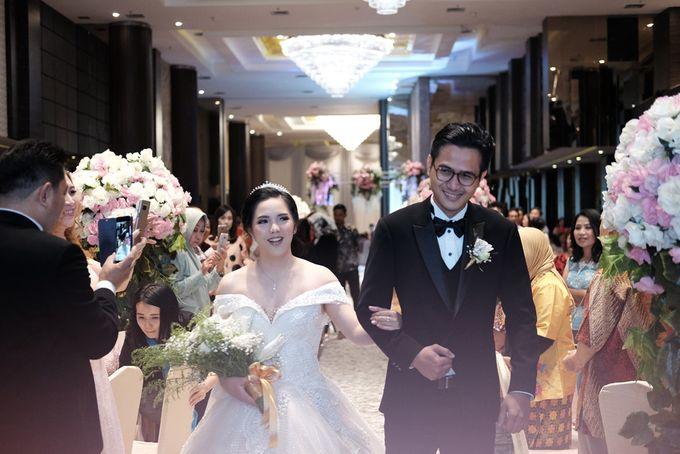Adri & Teresia Wedding by deVOWed Wedding & Event Planner - 011