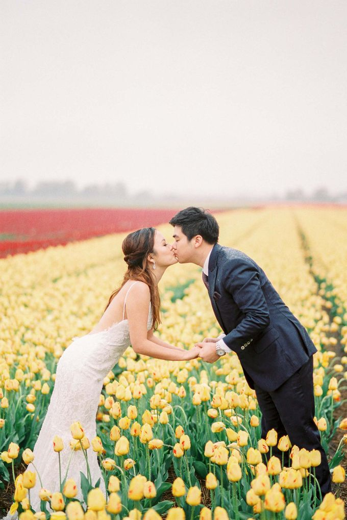 Romantic Flower Fields Pre-Wedding Shoot by Rox and San Photography - 009