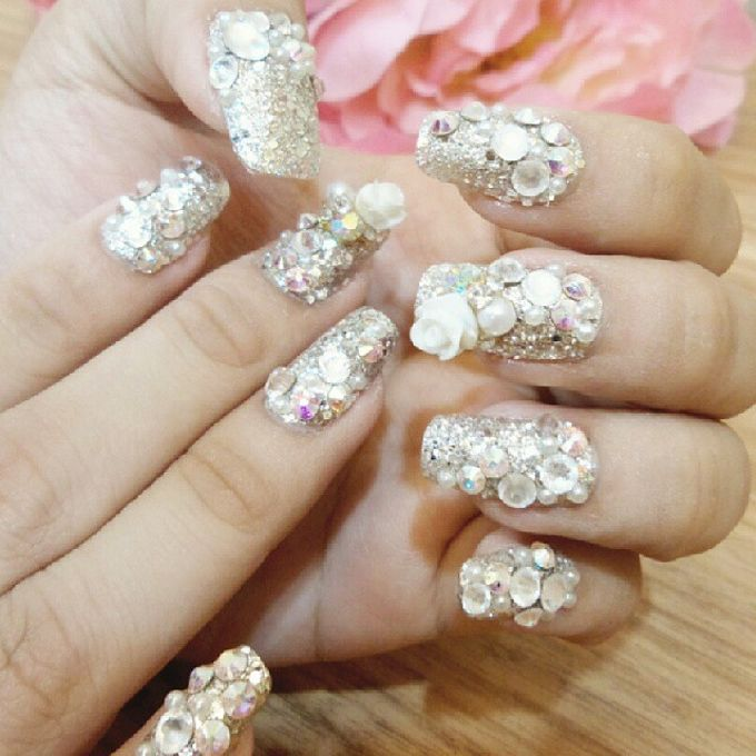 custom wedding nails by Veeana Nails - 010