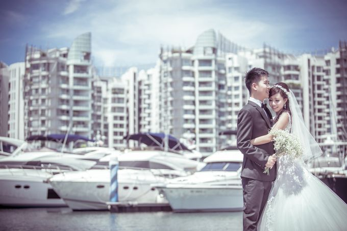 Pre-wedding shoot by the marina by ONE°15 Marina Sentosa Cove, Singapore - 004