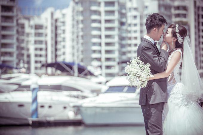 Pre-wedding shoot by the marina by ONE°15 Marina Sentosa Cove, Singapore - 005