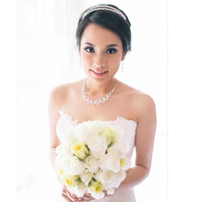Bridal Makeup by Elly Liana Makeup Artist - 011