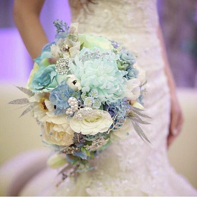 WHIMSICAL WEDDING BOUQUET by LUX floral design - 002