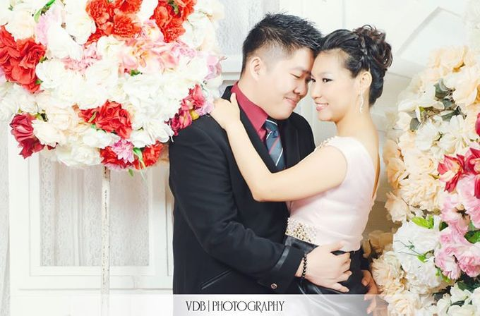 The Engagement of Welly n  Maya by VDB Photography - 021