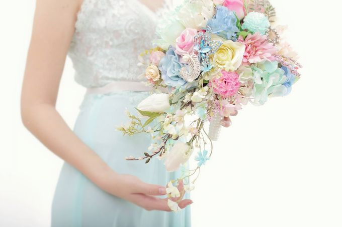 WHIMSICAL WEDDING BOUQUET by LUX floral design - 017