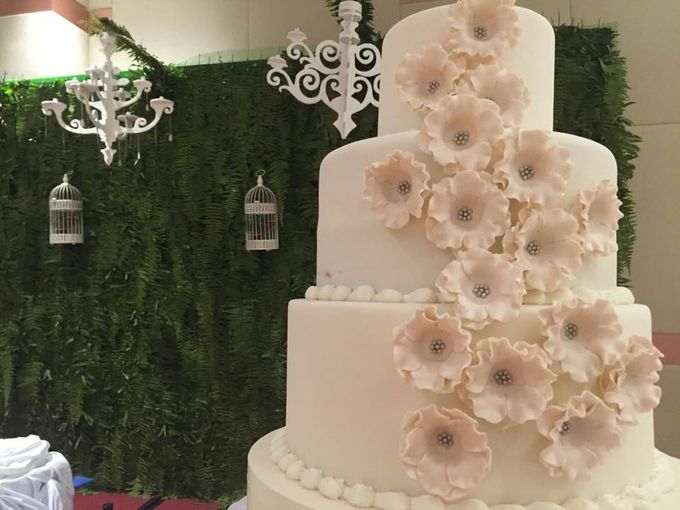 Wedding Cakes by Cupkeyk N Art - 012