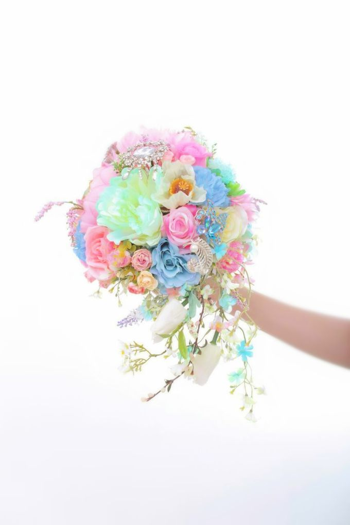 WHIMSICAL WEDDING BOUQUET by LUX floral design - 018