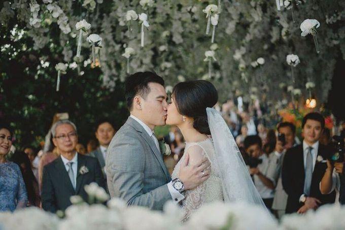 Steven & Aie Enchanted Garden Wedding by Flying Bride - 034