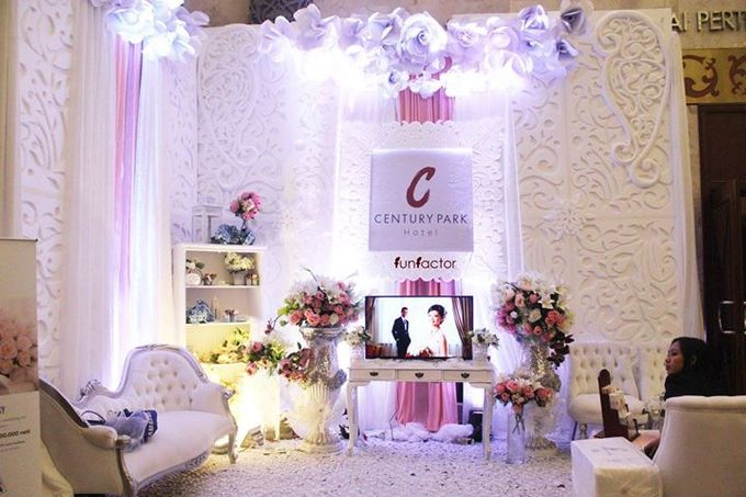 add to board century park hotel wedding booth by fun factor decoration 001