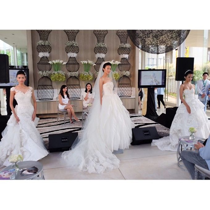White Elegance Fashion Show by LAMIIK BRIDAL by LAMIIK BRIDAL - 003