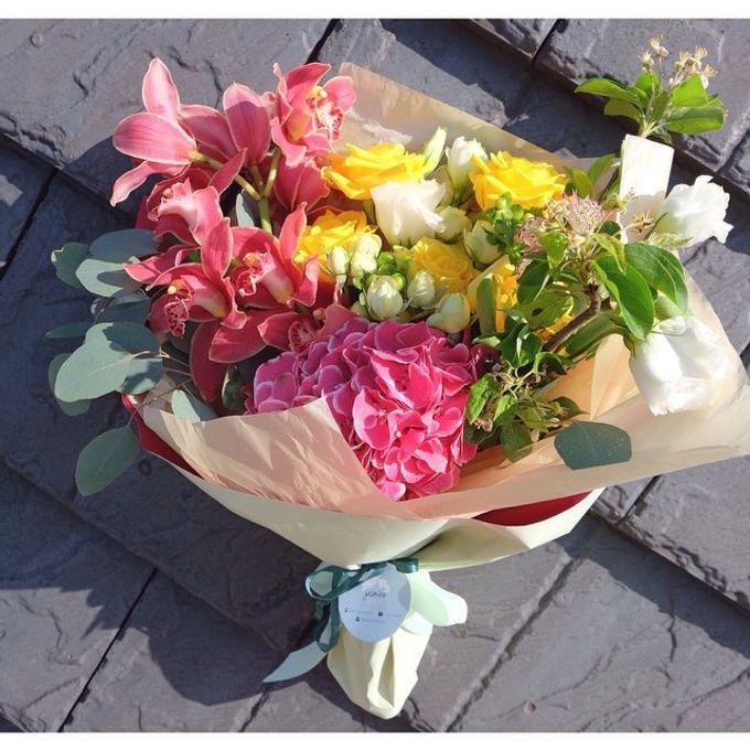 Daily Arrangements by Jasmine Florist - 008