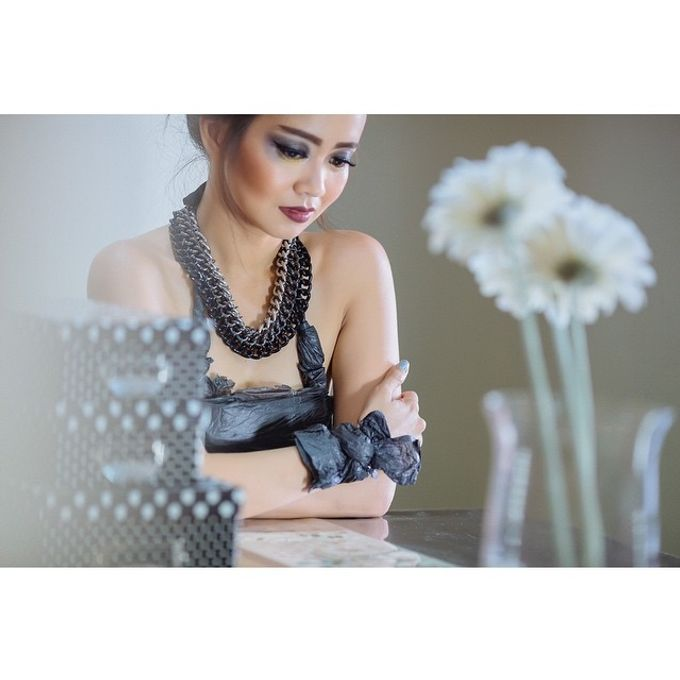 Fashion Makeup by Sketch Velvet - 001
