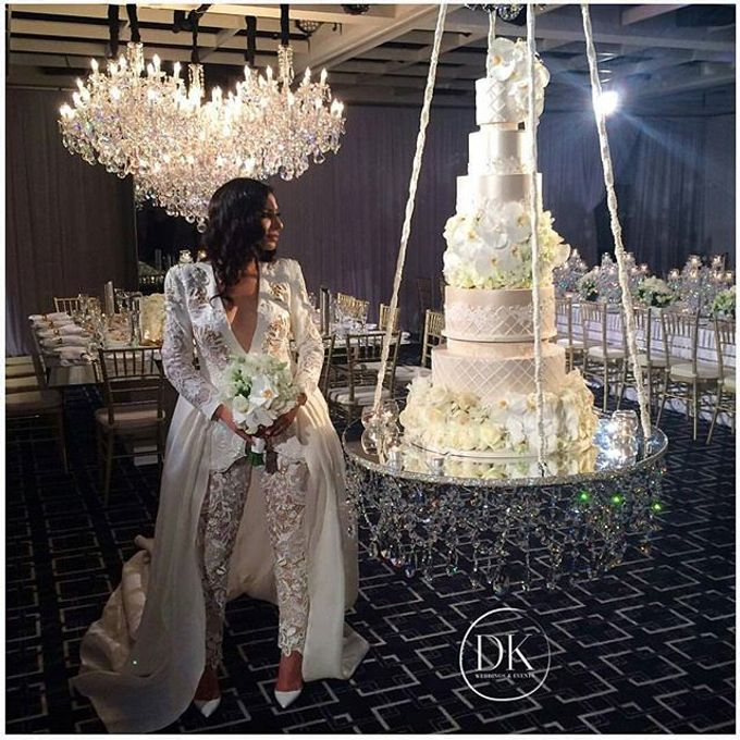 Wedding by Chandeliers To Die For - 002