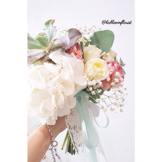 Pinterest inspired bridal bouquet by La Bloom Florist - 004