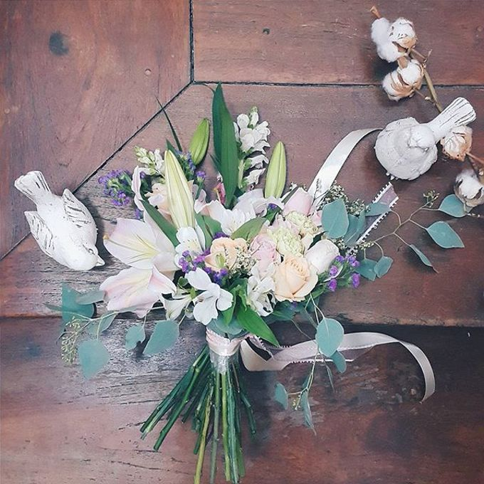 RUSTIC WEDDING BOUQUET by LUX floral design - 003