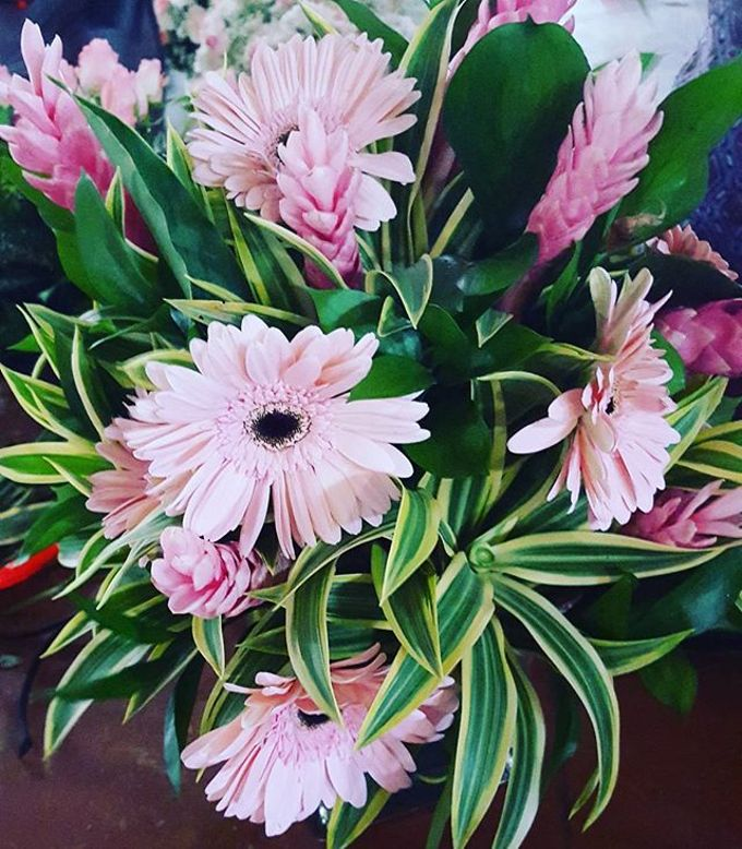 Floral Arrangements by All The small Things - 008