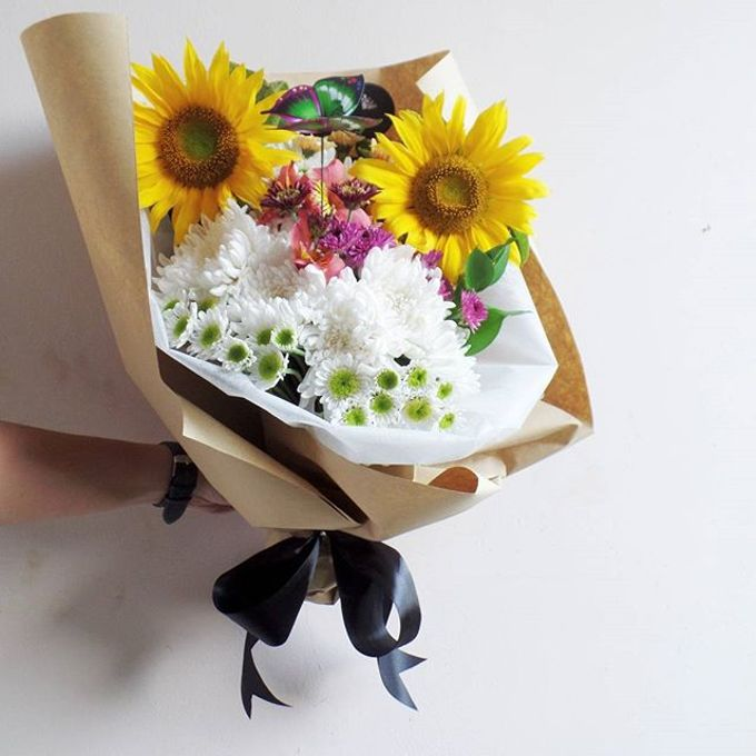 Hand Bouquet for Special Occasion by LABUSHKY Bouquet - 011