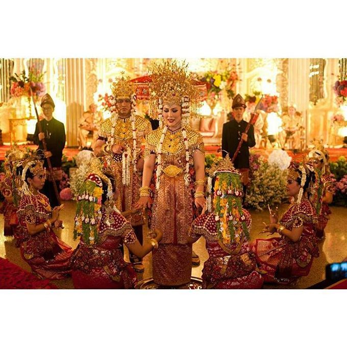 Devi & Taufan Wedding by Watie Iskandar Wedding Decoration & Organizer - 004