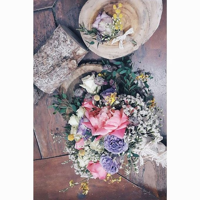 RUSTIC WEDDING BOUQUET by LUX floral design - 005