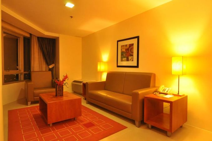 Room Amenities Features & fixtures by GREENHILLS ELAN HOTEL MODERN - 004