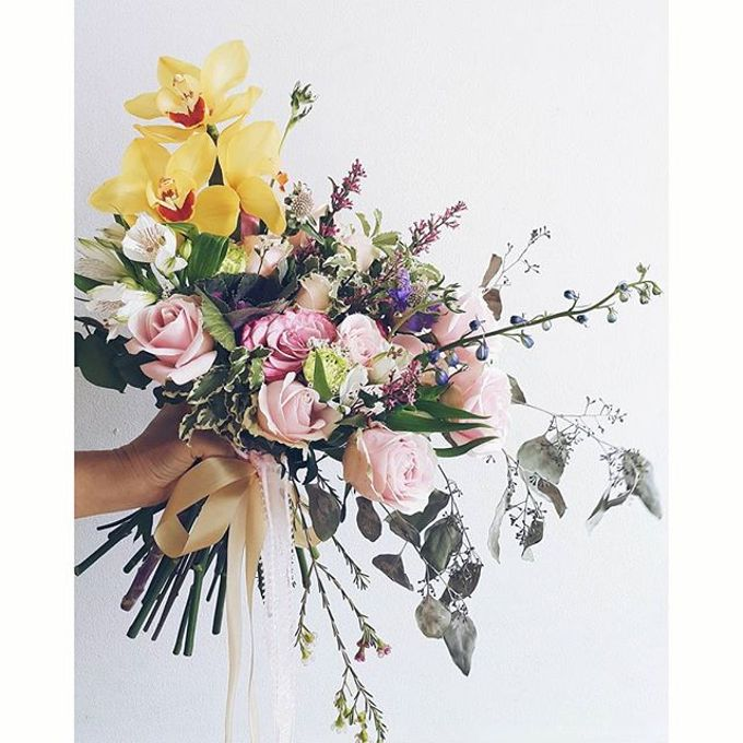 RUSTIC WEDDING BOUQUET by LUX floral design - 001
